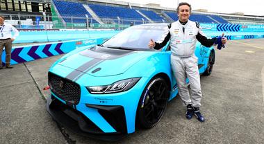 E-Prix Berlino, spettacolo anche prima della corsa: Agag guida la Jaguar, Rosberg la Gen2