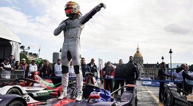 Frijns trionfa a Parigi. Nella prima gara bagnata l'olandese della Virgin trionfa sulla DS di Lotterer ed è leader