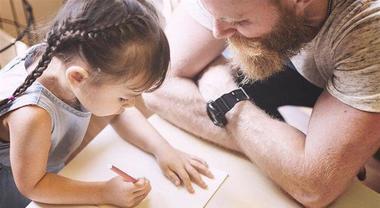 """I papà 2.0 sono i nuovi """"mammi"""": informati, preparati e agguerritissimi"""