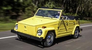 Volkwagen Pescaccia, ha 50 anni l'auto tuttofare. Con il motore del Maggiolino era nata come mezzo militare