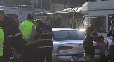 Rom ruba un'auto e la polizia gli spara: ora lo Stato gli paga un maxi-risarcimento