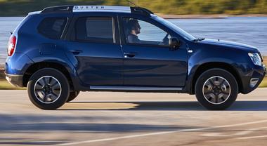 """Dacia, il Suv low cost diventa """"automatico"""": sulla Duster arriva il cambio EDC"""