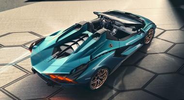 Lamborghini Sián Roadster, la scoperta del Toro svela la tecnologia del futuro a cielo aperto