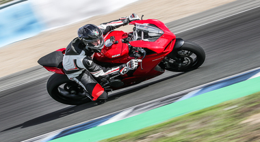 """Ducati Panigale V2, a Jerez in sella alla """"Super-Media"""" bolognese"""