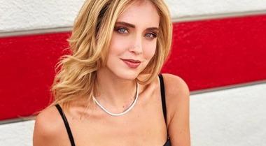 Chiara Ferragni e il post che spiazza i fan: «Ho le te*** piccole, ma...»