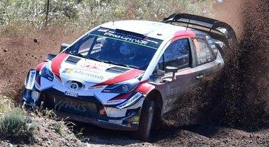 WRC, testa a testa in Sardegna tra Ogier e Neuville. Terza la Toyota Yaris di Lappi