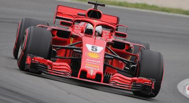 GP di Spagna, due Mercedes in prima fila, Vettel con la Ferrari è terzo