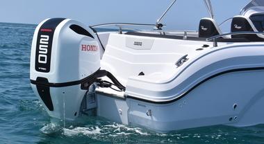 Fuoribordo Honda: a Genova aggiornamenti importanti. Assistenza alla navigazione e manovrabilità al top