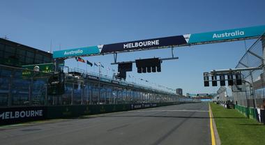 Gran Premio di Australia cancellato, la F1 si arrende in colpevole ritardo