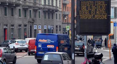 Stop diesel a Roma: per Aci via 1,3 milioni di veicoli. Il 79,3% dei commerciali è ante Euro 5