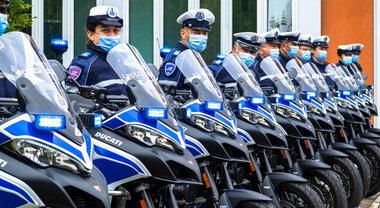 Multistrada mette la divisa, Ducati consegna 25 crossover alla Polizia Locale di Bologna