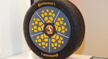 ContiSense e ContiAdapt, un passo nel futuro: le due facce del pneumatico intelligente