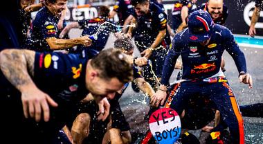 La Red Bull conferma Verstappen fino al 2023, Hamilton rimarrà in Mercedes?