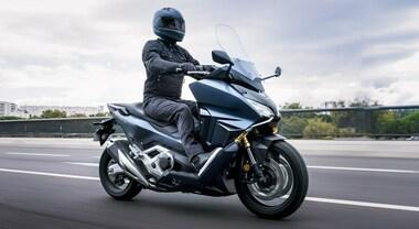 Ingegno Honda, la Forza di un'idea: l'affermato scooter diventa maxi