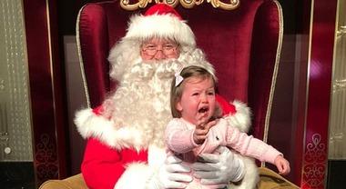 Immagini Bambini E Natale.Bambini E Babbo Natale Quando La Foto E Un Disastro Il Mattino It