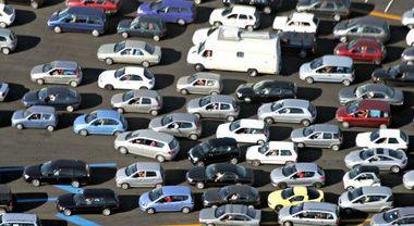 Mercato auto, Federauto stima -60% immatricolazioni 2020 e chiede modifiche al «Cura Italia»