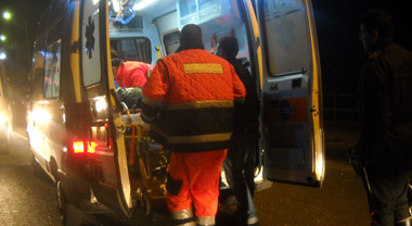 Roma, guida ubriaco contromano di notte sul Gra e uccide un uomo: lui è grave in ospedale, arrestato