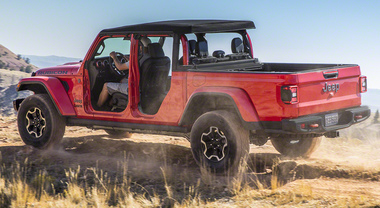 Jeep Gladiator, il pickup che mancava. Originale e versatile arriverà in Europa nel 2020
