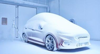 """Ford svela la """"Weather Factory"""": dove si riproducono tutte le condizioni climatiche"""