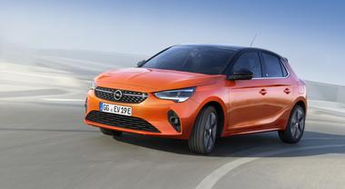 Corsa elettrica, la compatta Opel è anche a batterie