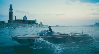 """A Venezia """"Riva in the movie"""" con Favino, a Viareggio Azimut lancia il Magellano 25 con Muccino"""