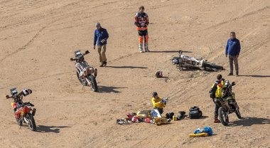 Dakar, tragedia Goncalves: Toby Price si ferma per tentare di salvarlo e perde la leadership