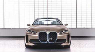 Bmw i4 Concept, la sportiva elettrica pronta per il debutto