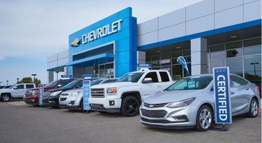Dealer Ford e GM in Usa, resistenze ad arrivo elettriche. Concessionari contrari a investimenti chiesti per certificazione