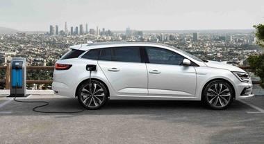 Renault: avanti tutta con l'elettrificazione E-Tech. Dopo Clio e Captur, ecco Mégane ibrida plug-in
