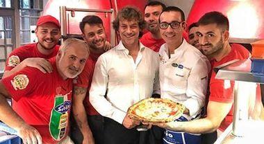 Alberto Angela a Napoli, va a mangiare la pizza da Gino Sorbillo: Le Foto