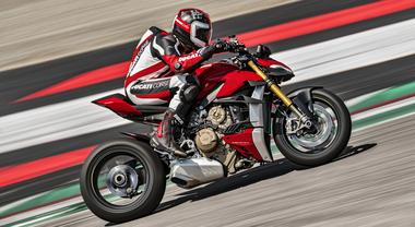 Ducati 2020, svelata super-naked Streetfighter V4 da 208 cv. Deriva da Panigale V4 e offre prestazioni top