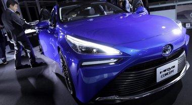Toyota Mirai, a Tokyo debutta la 2^ generazione: stile sportivo e autonomia migliorata del 30%