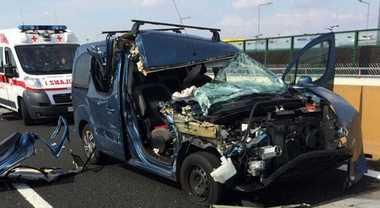 Polstrada, in aumento morti per incidenti stradali. Cinture non allacciate infrazione più diffusa