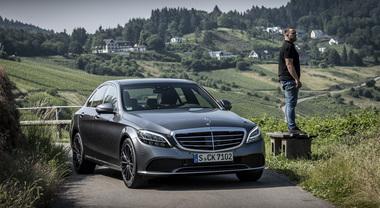 Mercedes Classe C, l'ammiraglia compatta della Stella si rinnova