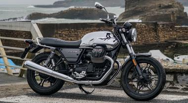 Moto Guzzi V7 III Limited, l'eleganza classica delle cromature unita a innovativi materiali high tech