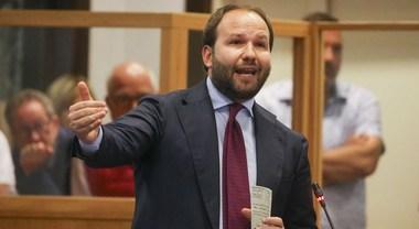 Zinzi jr lascia Forza Italia:«Continuerò come indipendente» - Il ...