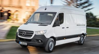 Mercedes Sprinter, la nuova generazione fa il carico di tecnologia. C'è anche il Pro Connect