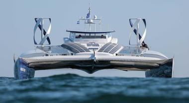 Toyota naviga nel futuro con Energy Observer, il primo catamarano a idrogeno che punta a Tokyo 2020