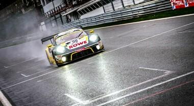 Porsche batte Audi per un soffio e vince una incredibile edizione della 24 Ore di Spa
