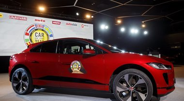 Jaguar i-Pace è l'auto dell'anno 2019: il suv elettrico sorpassa l'Alpine A110