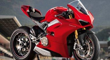 """Ducati Panigale V4S premiata con il """"Best bike of the year"""". Aprilia SX125 è """"Best A1"""""""