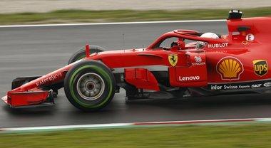 F1, Test Barcellona no stop, la Ferrari di Vettel in pista. Bottas il migliore del mattino