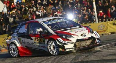 """Testa a testa nel Rally di Catalogna: Neuville (Hyundai) precede di soli 7 decimi Evans (Toyota). Ogier """"controlla"""" in terza posizione"""