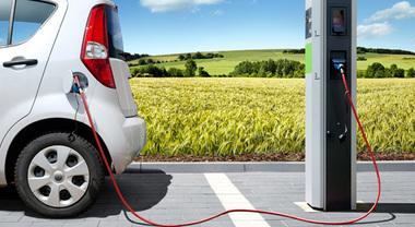 Flotte aziendali elettriche, non scocca la scintilla: gli utilizzatori ancora diffidenti