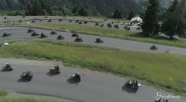 Francia, 1500 Harley-Davidson invadono la montagna