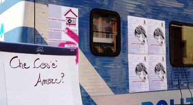 """8 marzo: polizia di Stato contro violenza donne, l'iniziativa """"Questo non è amore"""""""