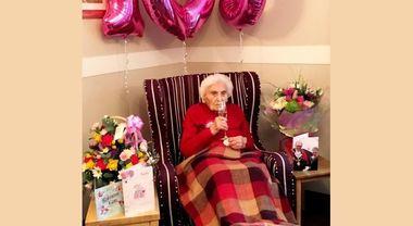 Brenda, 105 anni, svela il segreto della longevità: «State alla larga dagli uomini»