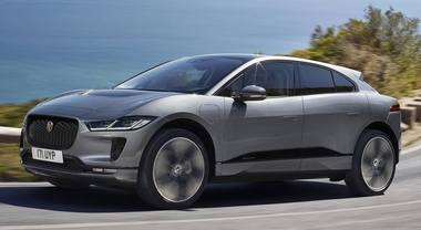 Jaguar I-Pace, il Suv 100% elettrico svelato via web. Due motori, 400 cv e autonomia 480 km