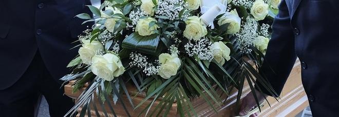 L'ex prof è morto da due mesi  ma non si riesce a fare il funerale