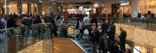 «Il 59% degli italiani favorevoli a chiusura negozi nei giorni di festa»